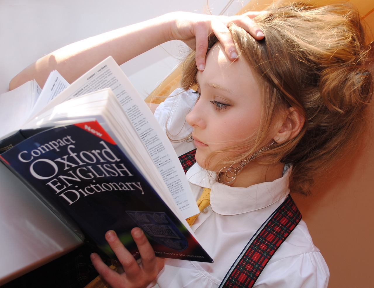 Learning-English-and-other-languages-online-with-tutor-or-courses