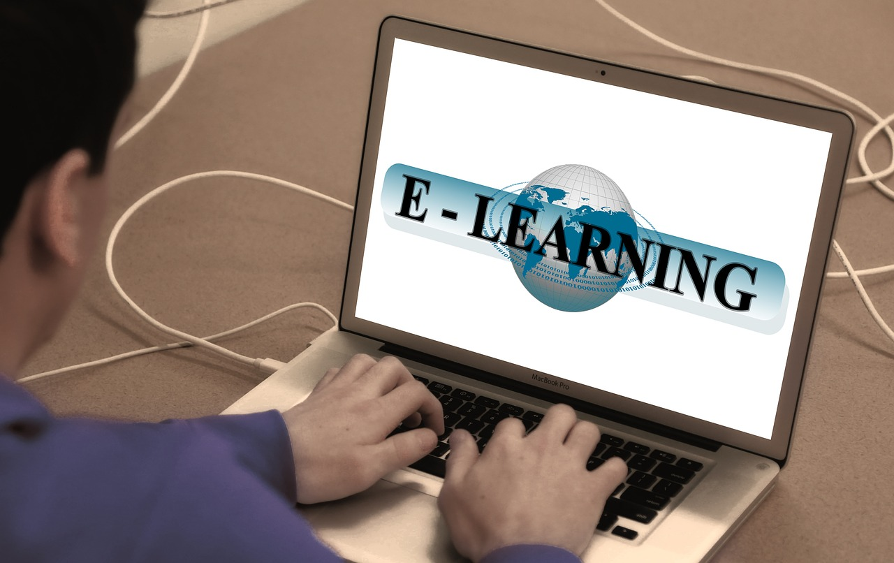 elearning-and-online-courses-for-career-progression